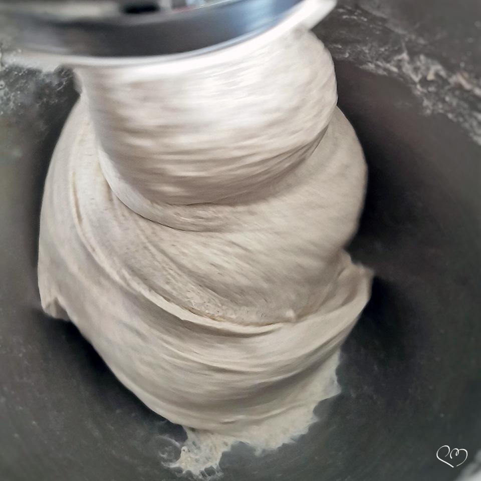 Impastare e incordare un pane ad alta idratazione