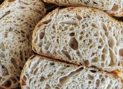 Pane con lievito madre ad alta idratazione